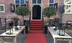 Restaurant und Hotel im historischen Schloss bzw. im modernen Gebäude im Zentrum…