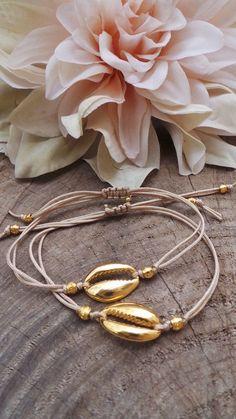 Shell Bracelet, Shell Necklaces, Bracelet Making, Jewelry Making, Shell Schmuck, Diy Schmuck, Seashell Jewelry, Beach Jewelry, Handmade Bracelets