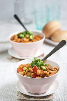 pumpkin quinoa white bean chili vegan gluten-free | Allyson Kramer