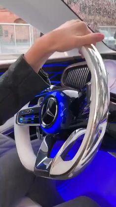 Mercedes Maybach, New Mercedes, Cool Sports Cars, Sport Cars, Bugatti Auto, Bugatti Veyron, Bentley Suv, Lamborghini Cars, Ferrari Laferrari