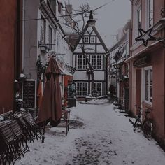Image uploaded by mintuyen. Writing Pictures, Brown Aesthetic, Kpop Aesthetic, Kawaii, Backrounds, Winter Colors, Find Image, Red And White, Snow White