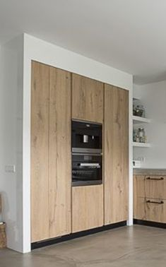 for a beautiful and practical kitchen integrate as many elements as possible here Kitchen Dining Living, Ikea Kitchen, Kitchen Interior, Kitchen Design, Kitchen Decor, Tiny Studio Apartments, Cabin Kitchens, Cuisines Design, Kitchenette