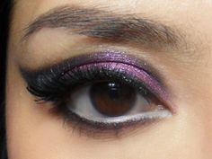 This eyeshadow shape can be done for mono-lids, hooded lids and regular lids. It can also be used on any eye color.