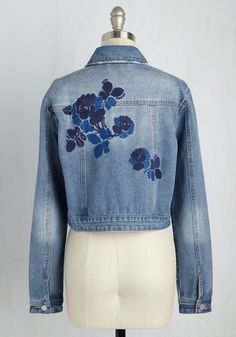 Lifestyles of the Stitch and Famous Jacket. While out on the town this denim jacket, your look catches the eye of a few fashion photogs. #blue #modcloth