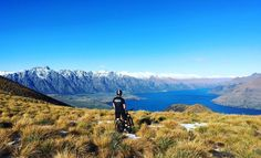 When you live near mountains like these it's kinda hard to get any work done. #Queenstown #newzealand #middleearth