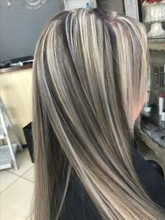 Are you looking for fun summer hair color for brunettes for blondes? See our collection full of fun summer hair color for brunettes for blondes and get inspired! Summer Hairstyles, Pretty Hairstyles, Summer Hair Color For Brunettes, Brown Blonde Hair, Fall Blonde, Gray Hair, Brunette Color, Blonde Color, Hair Color And Cut