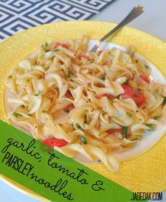 easy garlic, tomato & parsley noodles
