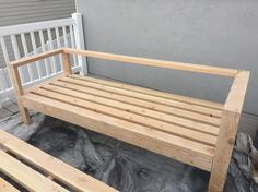 Pallet Outdoor Furniture DIY Outdoor Furniture - Honeybear Lane - Want to hang out or entertain outside? Build this DIY outdoor furniture in one day and you can enjoy the warmth of the summer! Rustic Outdoor Furniture, Pallet Garden Furniture, Outside Furniture, Outdoor Couch, Diy Furniture Couch, Farmhouse Furniture, Modern Furniture, Furniture Design, Luxury Furniture