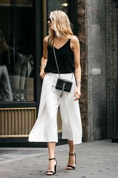 Summer Street Style Looks to Copy Now - Herren- und Damenmode - Kleidung Fashion Mode, Look Fashion, Street Fashion, Trendy Fashion, Fashion Outfits, Fashion Trends, Fashion Heels, Fashion Black, Ladies Fashion