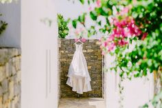 Wedding dress | Weddng dress shot | Wedding in the sun | Summer Wedding | Luxury weddings | Destination weddings in Greece