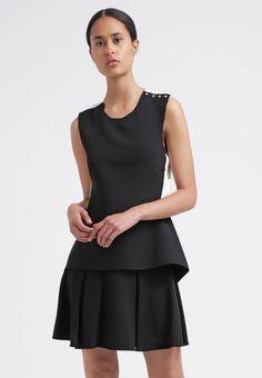 Zeige dein Modebewusstsein mit diesem außergewöhnlichen Schnitt. Derek Lam 10 Crosby Cocktailkleid / festliches Kleid - black/white für 384,95 € (28.01.16) versandkostenfrei bei Zalando bestellen.