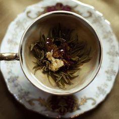 Discover the Chinese Herb of Immortality -Jiaogulan (Gynostemma pentaphyllum.) Premium Organic Jiaogulan tea from Thailand. Jiaogulan Tea, Doe Eyes, Flower Tea, Tea Art, My Cup Of Tea, Herbal Tea, High Tea, Afternoon Tea, Tea Time