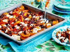 Pumpkin vegetables from the tray with feta and mince recipe DELICIOUS - Our popular recipe for sheet pumpkin vegetables with feta and mince and more than other free - Pumpkin Recipes Healthy Dinner, Mince Recipes, Healthy Cookie Recipes, Healthy Pumpkin, Vegetarian Recipes Easy, Recipes Dinner, After Workout Food, Pumpkin Vegetable, Carne Picada