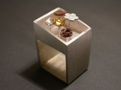 Ring | Helena Rezende. Sterling silver, copper and gold