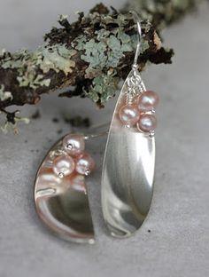 lusikkakorut, uusiokorut, kierrätyskorut, hopeatyöt, hopeakorut, korvakorut, handmadejewelry, silverjewelry, spoonjewelry, silverspoonjewelry, earrings