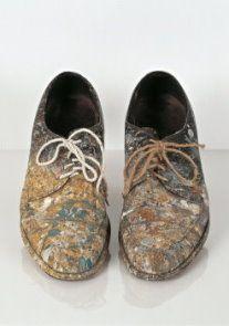 postkaarten shoes or no shoes   Claes Oldenburg