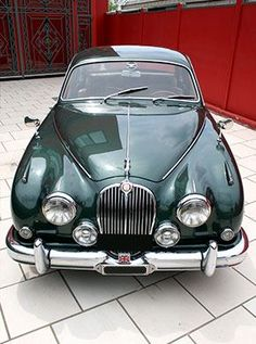 Jaguar mk2 opalescent dark green
