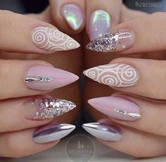 Top 30 Trending Nail Art Designs And Ideas - Nail Polish Addicted Fabulous Nails, Gorgeous Nails, Love Nails, Pretty Nails, Glam Nails, Classy Nails, Beauty Nails, Stiletto Nails, Beauty Makeup