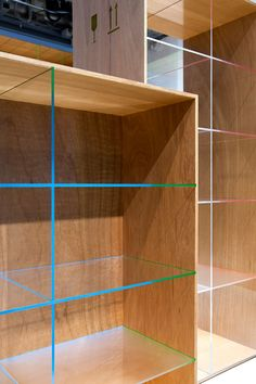 Jo Nagasaka / Schemata Architects // Tokyo, Japan Delicately crafted plywood boxes are almost like artwork with their sharp edges of acrylic shelves radiating beautiful gradation of vivid colors that change according to a viewer's position. Minimalist Architecture, Minimalist Design, Interior Architecture, Interior Design, Cool Furniture, Furniture Design, Furniture Making, Plywood Boxes, Laundry Room Cabinets