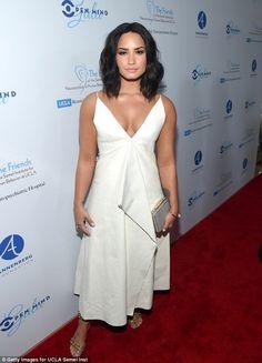 Demi Lovato deslumbró en una gala. Su vestido sacó aplausos y se robó las miradas de los asistentes