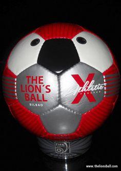 Balón modelo Red www.thelionsball.com