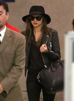 Miranda Kerr - Miranda Kerr Touches Down at LAX from NYC