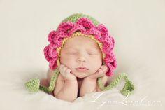 Flower Bonnet Crochet Pattern 037 by BeezyMomsCreations Crochet Flower Hat, Crochet Flower Patterns, Flower Hats, Crochet Baby Hats, Cute Crochet, Crochet For Kids, Crochet Hooks, Knit Crochet, Baby Flower