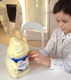 Bunny Easter DIY - Conejo de pascua realizado con material reciclado.