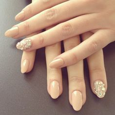 Opting for bright colours or intricate nail art isn't a must anymore. This year, nude nail designs are becoming a trend. Here are some nude nail designs. Round Nails, Oval Nails, Diamond Nails, Jewel Nails, Sparkly Nails, Glitter Nails, Short Almond Shaped Nails, Almond Shape Nails, Nails Shape
