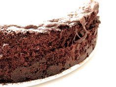 Questa torta Nutella Bimby è stato un vero e proprio colpo di fulmine. Nutella nell'impasto e Nutella nella farcia: che buona! Io uso solo Nutella Bimby