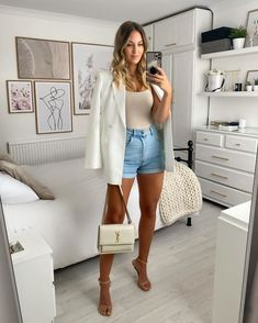 Short Jeans, Jean Short Outfits, Short En Jean, White Blazer Outfits, Dressy Outfits, New Outfits, Cute Outfits, Fashion Outfits, Fashion Ideas