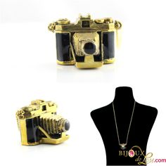 This wonderfully retro camera necklace is in the form of a vintage camera with an extended lens. 3d Camera, Retro Camera, Camera Necklace, Brass Chain, Enamel, Bangles, Hand Painted, Colorful, Gold