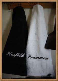 """Handdukar till """"Främmen o Husfolk""""."""