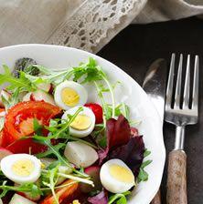 ΣΑΛΑΤΑ ΜΕ ΑΥΓΟ ΝΤΟΜΑΤΑ ΚΑΙ ΡΟΚΑ Egg Salad, Cobb Salad, Salads, Eggs, Nutrition, Fresh, Recipes, Food, Recipies