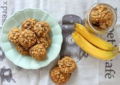 These Banana Oatmeal Chocolate Chip Cookies don't use any butter but are still incredibly moist, flavorful, & delicious. You won't be able to eat just one! Banana Oatmeal Chocolate Chip Cookies, Oatmeal Cookie Recipes, Coconut Oil Chocolate, Dog Food Recipes, Healthy Recipes, Good Food, Cooking, Breakfast, Paleo