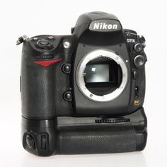 Nikon D700 12.1MP Digital SLR Camera  FX Format 25444 MB-D10 Battery Grip