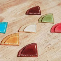 UnimiStore Handmade leather corner bookmark in beautiful colors T01