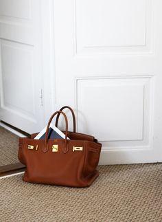 Hermes bag as a decoration piece Hermes Birkin, Hermes Bags, Hermes Handbags, Mode Style, Beautiful Bags, Fashion Bags, Fashion Handbags, Fashion Fashion, Purses And Handbags