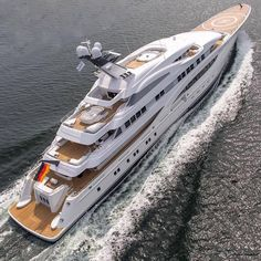 Once in a Lifetime Experience – Yacht Charter Sailing in Greece Yacht Luxury, Luxury Yacht Interior, Luxury Life, Yacht Design, Yachting Club, Big Yachts, Yacht World, Grand Luxe, Sports Nautiques