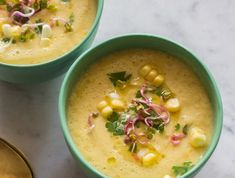 une soupe froide veloutée de maîs, recette originale de gaspacho jaune