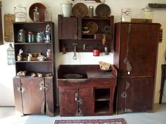 Olde Tyme Sales - Antiques, Primitive Furniture Reproductions and Smalls