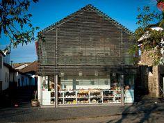 Fachada da Casa da Mestra, turismo rural em #Gimonde #Bragança