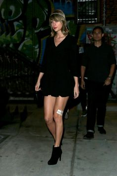 Taylor Swift Meow Legs Purrfect personalizou Delights <3 15.03.15