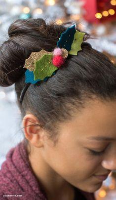 DIY Felt Holly Headband – Hair – Hair is craft Diy Christmas Videos, Christmas Hair Bows, Felt Christmas, Diy Christmas Headbands, Holly Christmas, Christmas Crafts, Xmas, Felt Crafts Patterns, Felt Crafts Diy