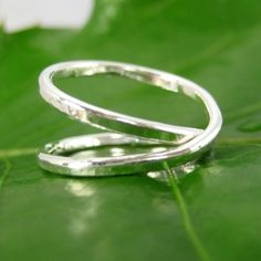 love this style of infinity rings