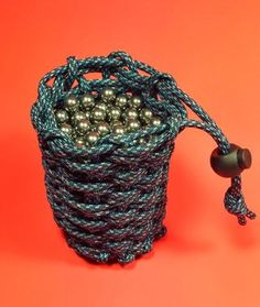 I wanted a pouch to hold some slingshot ammo. There are a few other Instructables about making paracord pouches but this method seems a little different. Credit to...