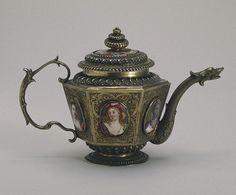 Coffee And Books, Coffee Set, Teapots And Cups, Teacups, Silver Teapot, Hermitage Museum, Tea Cozy, Tea Art, Tea Service