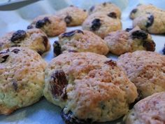 Hi guys! Are you ready to cook with me? Today I want to suggest you a quick and easy recipe for your Sunday:Raisin Cookies!  Take a look at my course and the first lesson for you will be FREE! #italy #italia #italianlesson #learnitalianwithme #holidays #spa#coursesonline #classesonline #italianculture #lifestyle #italianfood#cooking #food  http://www.learnitalianwithme.it/2014/12/grannys-recipe-biscotti-alluvetta