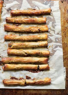 Serve these delicious and simple to create fruit mince twigs with a little brandy butter or whipped cream for a festive treat. Xmas Food, Christmas Sweets, Christmas Cooking, Christmas Side, Christmas Cakes, Fall Food, Christmas Goodies, Merry Christmas, Mincemeat Cookie Recipe