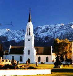 Church in Worcester - one of the biggest town in the Cape Winelands - about an hour from Cape Town. Provinces Of South Africa, South Afrika, Big Town, Paradise On Earth, Country Art, Worcester, Africa Travel, Countries Of The World, Cape Town